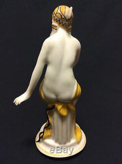 Art Deco Superb Porcelain Figurine Cira 1920 Signed