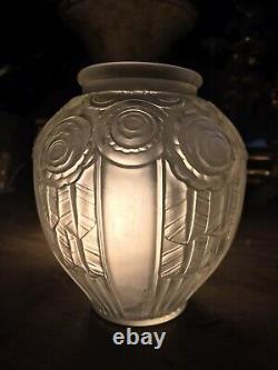 Art Deco Vase Model Roses Signed André Hunebelle France