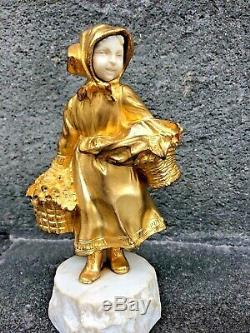 Bronze Chryselephantine Little Girl With Baskets Signed Gory (1895-1925)