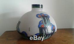 Old Vase. Art Deco. Signed Leune