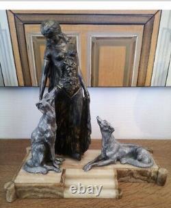 Sculpture Statue Regule Art Deco La Femme Aux Greyhounds