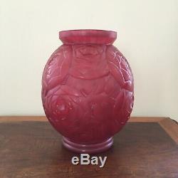 Vase Art Deco Opal Glass Of Rose In 1930 Signed P Avesn 22cm High