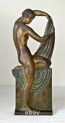 Woman Art Deco. Bronze Chiseled. Signed R. Abel Philippe. France. Around 1930