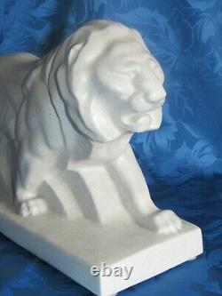 09g2 Ancienne Statue Lion Blanc Faience Craquelee Art Déco Signée Made In France