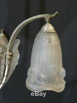 Ancien Lustre ART DECO en verre moulé pressé signé GILLES