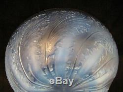 Coupe en cristal signée R. Lalique à décor de chicorées début XX ème siècle