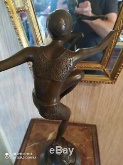 Danseuse Style Art Déco en Bronze Signée F. Paris