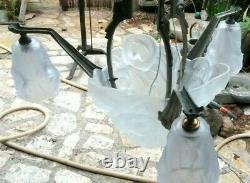 Joli lustre art-déco en verre moulé signé Degué début 20 ème