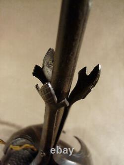 Keppel Nancy pied de lampe signé en fer forgé martelé et repoussé 1920