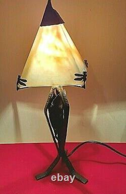 LAMPE ART DÉCO, pied en fer forgé, pâte de verre, 1920, signé LE VERRE FRANCAIS