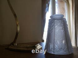 Lampe Art Deco En Bronze. Tulipe En Pate De Verre Signee Muller Freres
