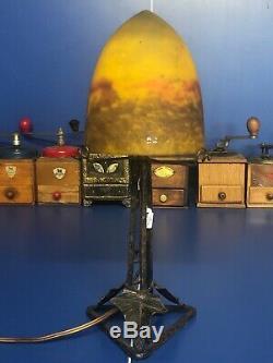 Lampe champignon, pied métal, pâte de verre signé Muller frères art déco