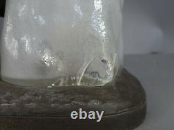 Originale lampe Art déco Ours contre un iceberg en verre, signée T. Cartier SB