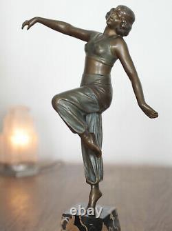Sculpture en bronze Art Nouveau / Art Deco Signée Charles Muller