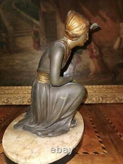 Statue Ancienne Régule Art Déco Signé Sur Le Marbre De. URIANO