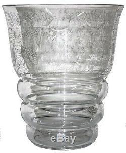 Vase 1930 en cristal de Baccarat gravé Art Déco signé