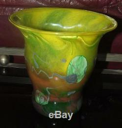 Vase en verre soufflé à décor d'inclusions signé J. P. MATEUS VERRERIE D'ART Déco
