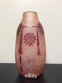 Vase pâte de verre dégagée à l'acide décor floral émaillé signé Legras Art Déco